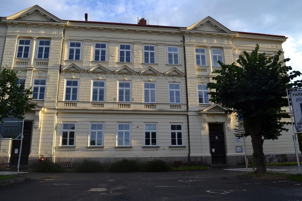 0b614137466 Rekonstrukce 1. základní školy v Dobříši začala již v červnu letošního roku